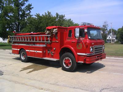 KELL FPD ENGINE 9732  1976  IHC CARGOSTAR - BOYER   1000-1200   #99997    OFFICERS SIDE