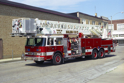 SALEM FPD TRUCK 30 PIERCE TOWER