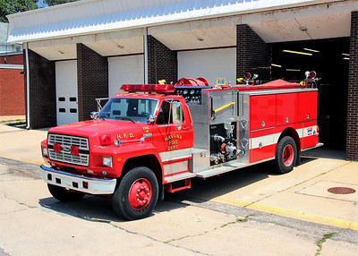 HAVANA  ENGINE 14  FORD F800 - PIERCE   BOB COkER PHOTO