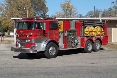 KILBOURNE FPD  ENGINE 102  1974  DUPLEX - HOWE   1000-2000   #13954  X - NEWTON-WAYNE VFC  NEWTON PA   FRANK WEGLOSKI PHOTO