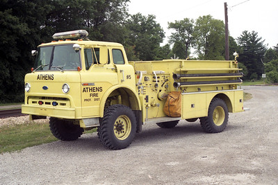 ATHENS  ENGINE 5  1971 FORD C700 4X4 - WLF  500-500  P8  71L49 X-US AIR FORCE