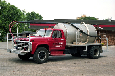 PETERSBURG   TANKER 1  1974 FORD F760 - FD BUILT  250-1500