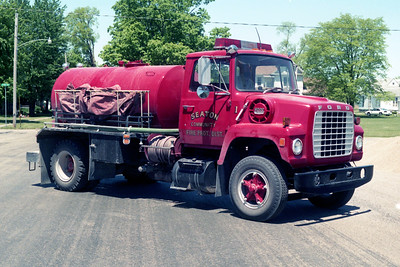 SEATON TANKER 1  1976 FORD L800 - 1990 MID STATE  0-1500