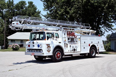 WATERLOO  TRUCK 5919  1991 FORD C8000 - TOWERS-BOARDMAN  1250-400-55'  TSQT   #1927