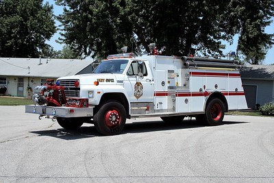 WATERLOO ENGINE 5912   1994 FORD F800 - TOWERS  1000-750   #1988