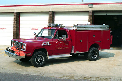HILLSBORO  RESCUE 5  1975   CHEVY C30 - PIERCE
