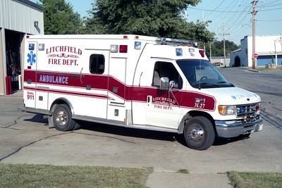 LITCHFIELD  AMBULANCE 3-L-27  2000 FORD E350 - MEDTEC