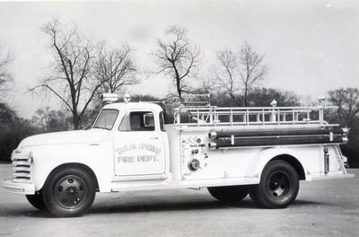 TAYLOR SPRINGS FD  1952 CHEVY-DARLEY  500-500   BW