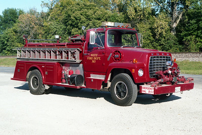 WITT ENGINE 303  1970 FORD L900 - TOWERS  1000-750  X - FREEBURG FPD