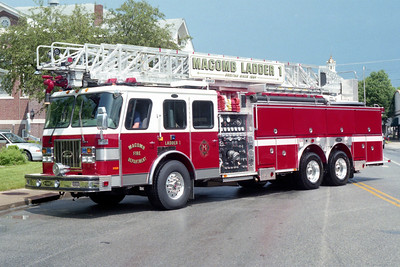 MACOMB LADDER 1  E-ONE CYCLONE II  100'