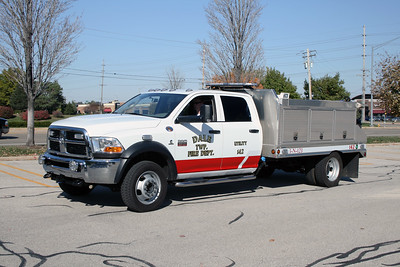 DALE TOWNSHIP FPD  BRUSH 142  2010  DODGE RAM 5500 4X4 - CREATIVE WELDING   125-300-5F FPD UTILITY