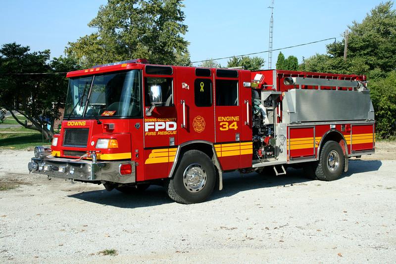 DOWNS COMMUNITY FPD   ENGINE 34  2000 PIERCE QUANTUM  1250-1250  # 12975