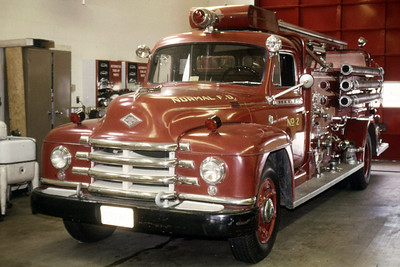 NORMAL  ENGINE 1950 DIAMOND T - CENTRAL ST;LOUIS  750-  RON HEAL PHOTO