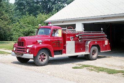 SAYBROOK-ARROWSMITH FPD  TANKER 181  1956  IHC R190 - FIREFIGHTER   125-1000
