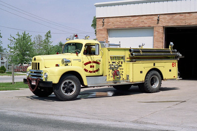 TOWANDA  ENGINE 61  1964 IHC R-190 - DARLEY  750-750