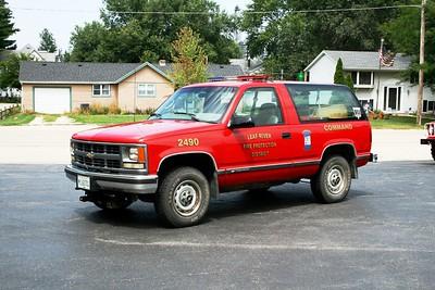 LEAF RIVER  CAR 2490   1998 CHEVY BLAZER