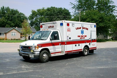 LEAF RIVER  AMBULANCE 1-F-15    2001  FORD E450 - ROAD RWESCUE   X- GERMAN VALLEY FPD