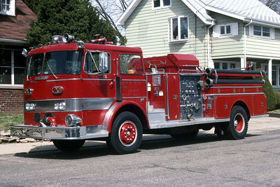 PEORIA  ENGINE 33  1968 BEAN  1250-500   RON HEAL PHOTO