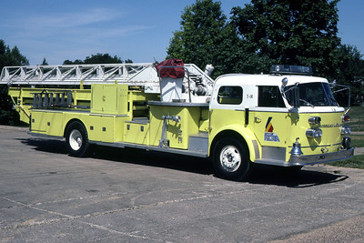 PEORIA  TRUCK 14 1965 ALFCO  100'  RON HEAL PHOTO