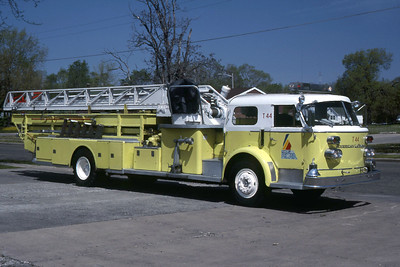 PEORIA  TRUCK 44  1965 ALFCO  100'  OFFICERS SIDE  RON HEAL PHOTO