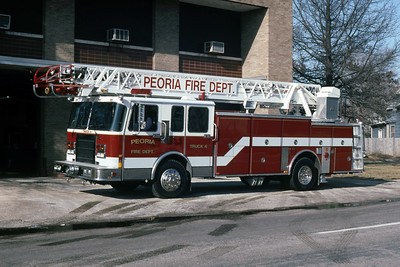 PEORIA  TRUCK 4  1994 SPARTAN - SMEAL  75'  RON HEAL PHOTO