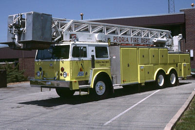 PEORIA  TRUCK 14  1977 HENDRICKSON - PIERCE - LTI  85'  RON HEAL PHOTO