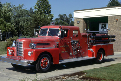PEORIA  ENGINE 2  1957 PIRSCH   1000-500   RON HEAL PHOTO