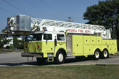 PEORIA  TRUCK 3 1977 HENDRICKSON - PIERCE - LTI  85'  RON HEAL PHOTO