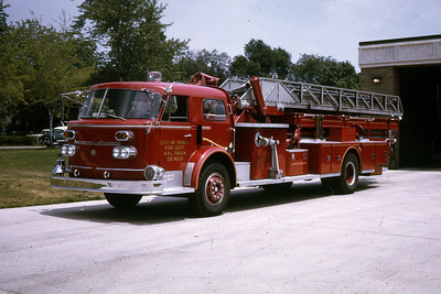 PEORIA  TRUCK 10  1965 ALFCO  100'  RON HEAL PHOTO