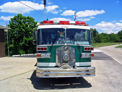TUSCARORA FPD  ENGINE 731 1989  SUTPHEN FRONT VIEW   HS-2322