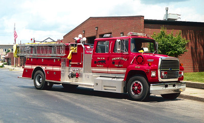 PICKNEYVILLE ENGINE 43  FORD L8000 - TOWERS