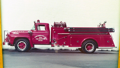 PICKNEYVILLE ENGINE  FORD F - TOWERS  WALL PHOTO