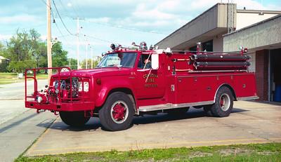 CORDOVA TANKER 104  1976 FORD F800 - ALEXIS  750-1000   #1112