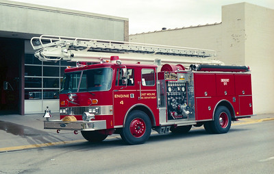 EAST MOLINE ENGINE 4 PIERCE DASH