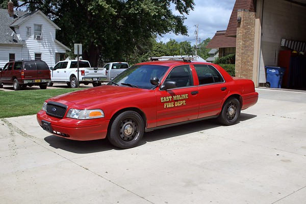 EAST MOLINE  CAR 1  2009  FORD CROWN VIC