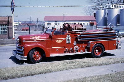 MOLINE ENGINE 4  1958 SEAGRAVE  1000-   RON HEAL PHOTO