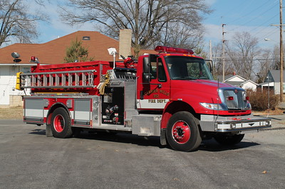 Carrier Mills IL ENGINE 352  2005 IHC 4400 - PIERCE  1250-1000    FRANK WEGLOSKI PHOTO
