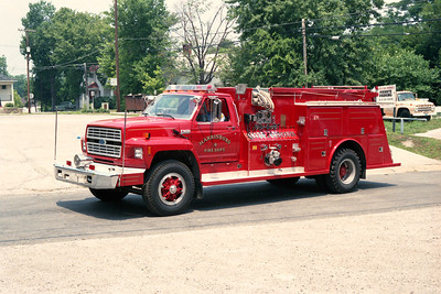 HARRISBURG FD  ENGINE 4  FORD F - TOWERS
