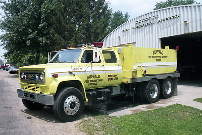 BUFFALO FPD  TANKER 2  1987  CHEVY C70 - TROTTER   0-3000