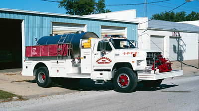 ILLIOPOLIS  TANKER   FORD F800 - TOWERS
