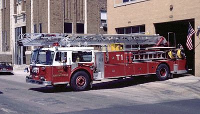 SPRINGFIELD  TRUCK 1  SEAGRAVE WB  100'