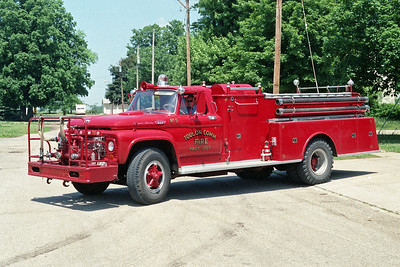 TOULON COMMUNITY FPD  ENGINE 5  1963  FORD F800 - ALEXIS   500-1000   #732