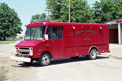 TOULON COMMUNITY FPD  RESCUE 4  1977  CHEVY STEPVAN