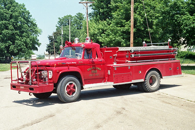 TOULON COMMUNITY FPD   ENGINE 6  1969  FORD F850 - ALEXIS   500-1000   #901