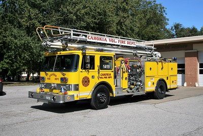 CAHOKIA LADDER 1419  1987 PIERCE ARROE  1250-500-50' TSQT