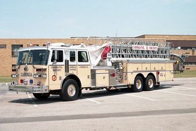 CAHOKIA  LADDER 1429   1990 SUTPHEN   1500-300-100'   X- ROMBOUT FIRE DISTRICT - FISHKILL,NY  HS-2456