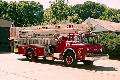 CASEYVILLE TRUCK1619   FORD C - PIERCE  OFFICERS SIDE