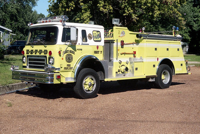 EAST SIDE  ENGINE 407   1976 IHC CARGOSTAR - TOWERS   1000-750   #1552