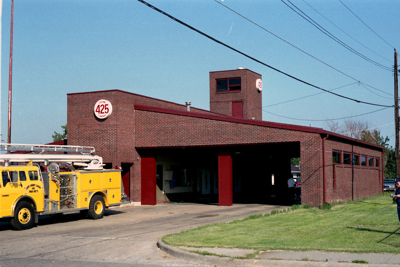 EAST ST LOUIS  STATION 425