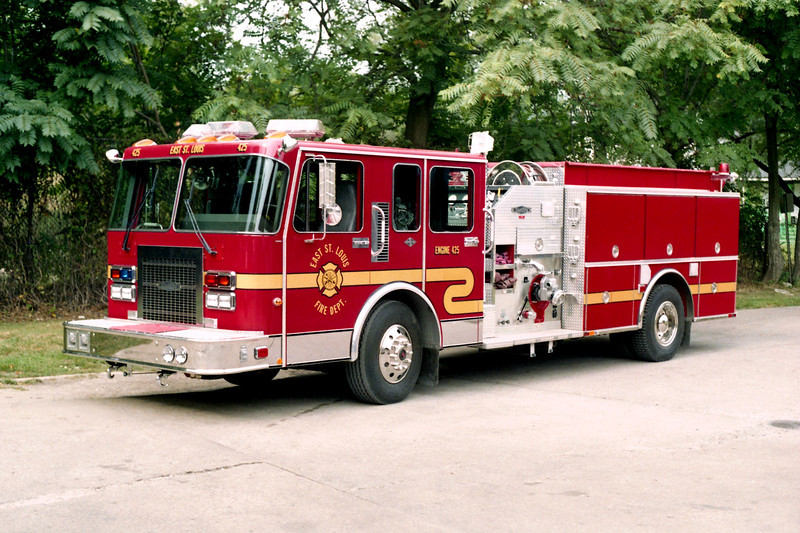 EAST ST LOUIS  ENGINE 425  SPARTAN